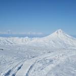 vid-na-7-m-vulkanov-so-sklonov-gorelogo-vulkana