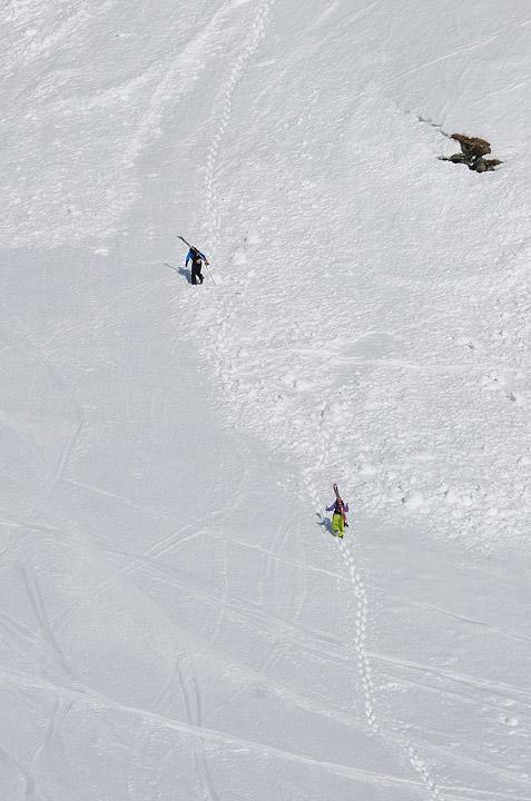 Подъем вверх по кулуару в Рольдале (Норвегия)