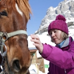 screen_katya_and_horse_2