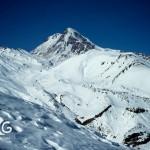 Вид на гору Казбек из ущелья Сно
