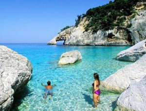 Куда отправиться на отдых - остров Сардиния или горнолыжный курорт