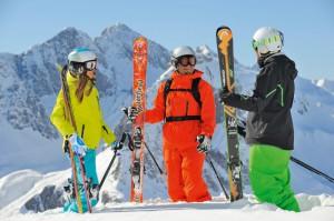 Выбираем сноуборд или горные лыжи вместе