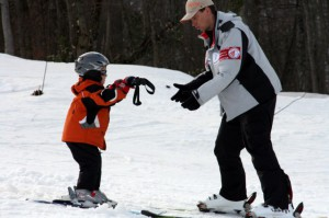 Обучаем ребенка катанию на сноуборде